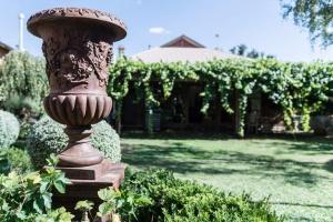 cadogan-garden